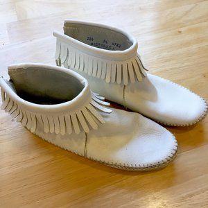 MinnetonkaWhite Leather Moccasin Booties